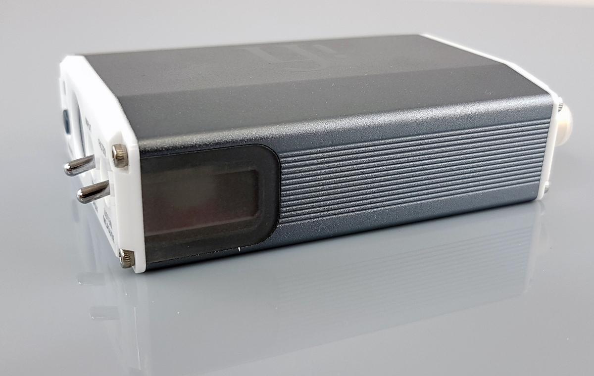 Левая панель ЦАП iFi Nano iOne