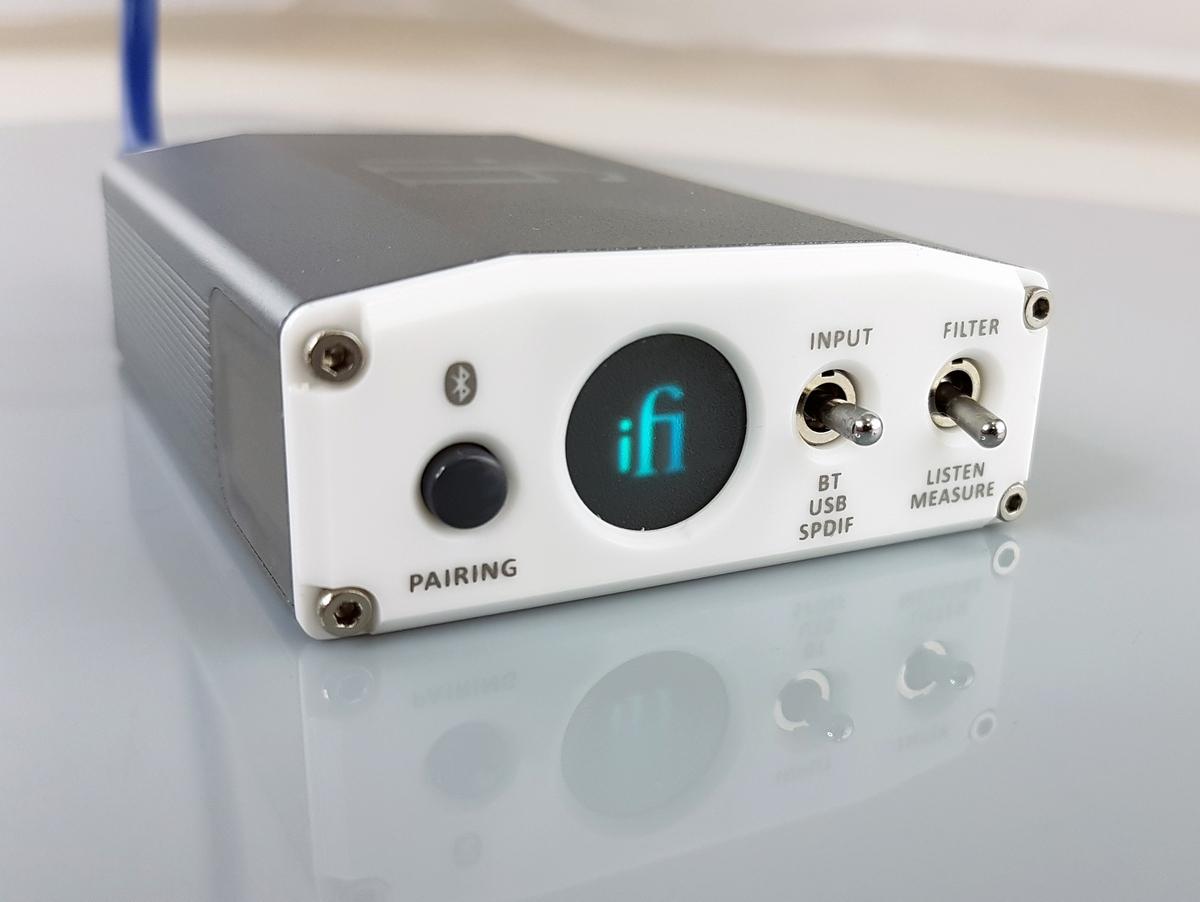 Бирюзовый дисплей ЦАП iFi Nano iOn