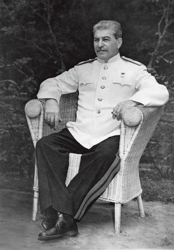 http://btest.ru/images/Fotki/Fotoiskustvo/HaldejEvgenij/3_germaniya_potsdam_iosif_stalin_iyun_1945.jpg