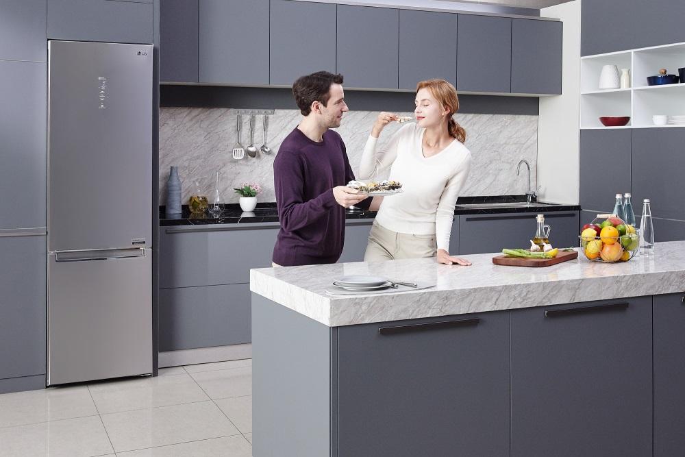 холодильники с нижней морозильной камерой LG DoorCooling+.