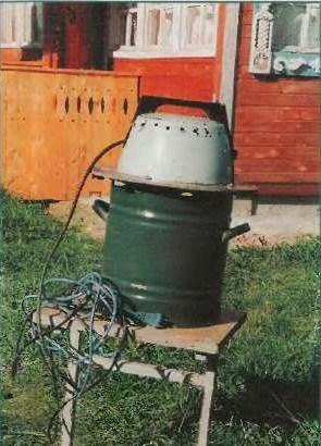 Для дачи нет нужды заботиться об эстетике готового изделия, поэтому в... Самодельная стиральная машина.